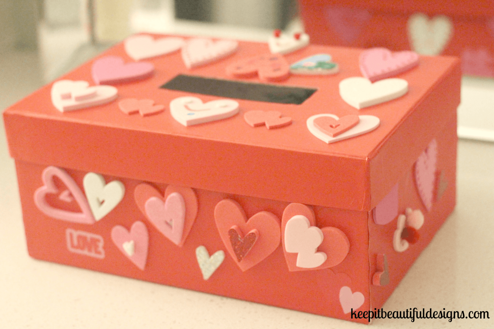 An Easy DIY Valentine's Day Box