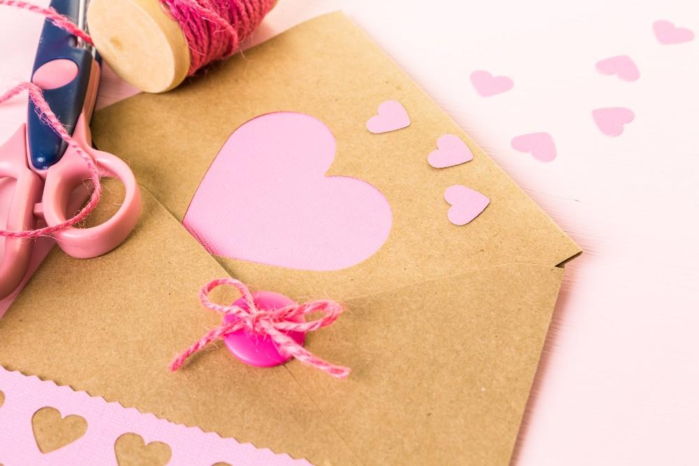 How to Make Your Own Valentine's Day Card