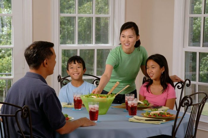 5 Reasons to Eat Dinner as a Family