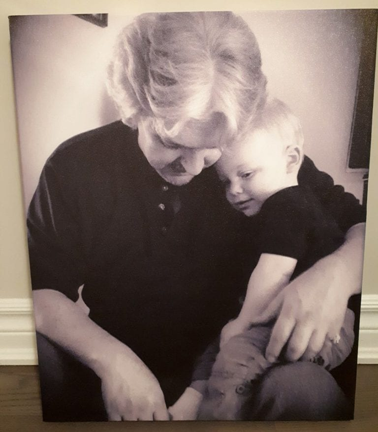 Canvas Factory Helps Feed a Mother's Pictures Obsession – Review