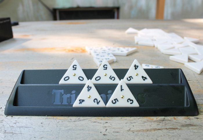 Tri-ominos Deluxe Game