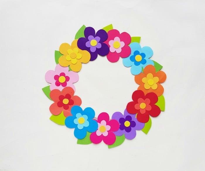Paper Flower Wreath Craft step 6