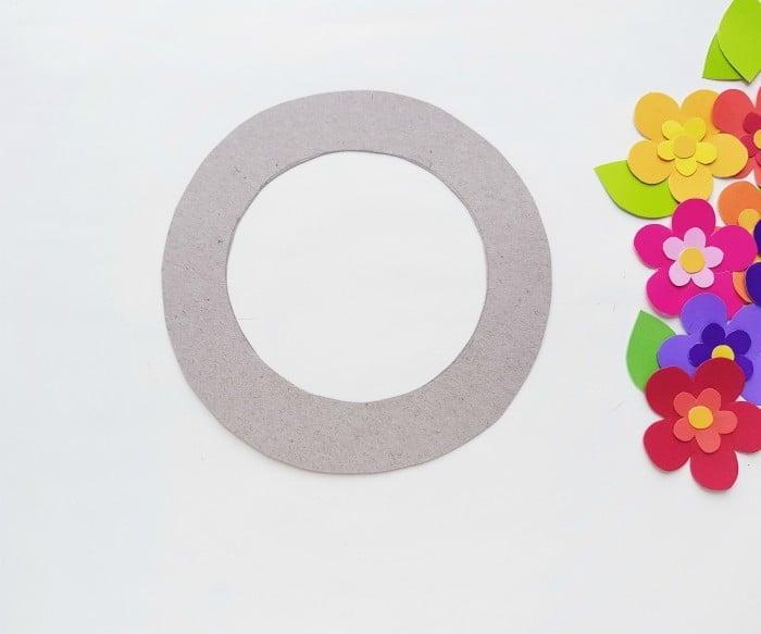 Paper Flower Wreath Craft step 4