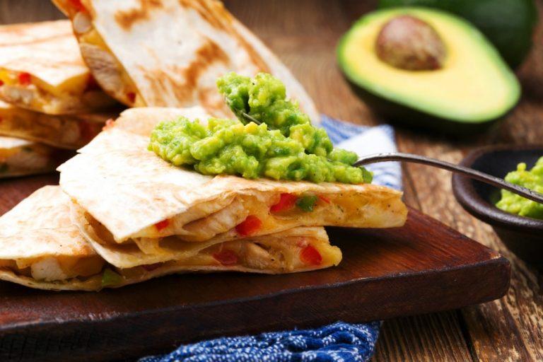 Super Easy Homemade Guacamole Recipe