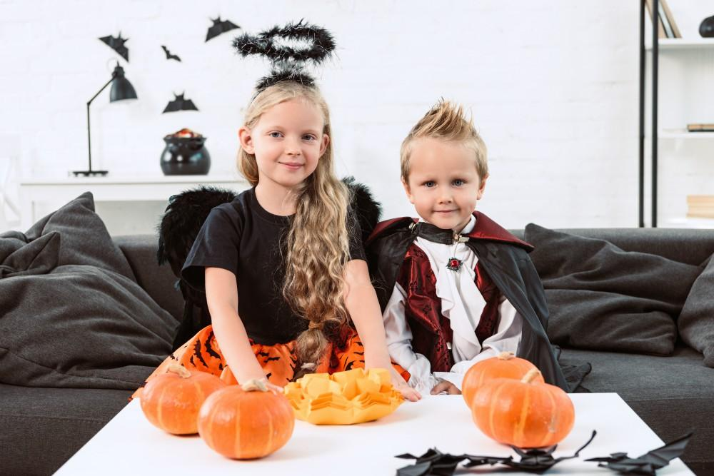 The Cutest Children's Costumes for a Halloween at Home