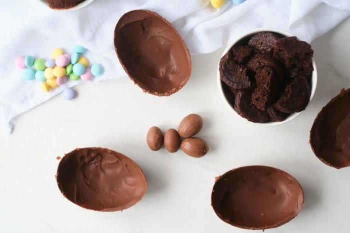 Chocolate Easter Eggs Stuffed with brownies in process