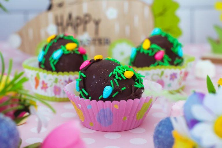 Easter Egg Hot Chocolate Bombs: Fun Treats For Kids To Make