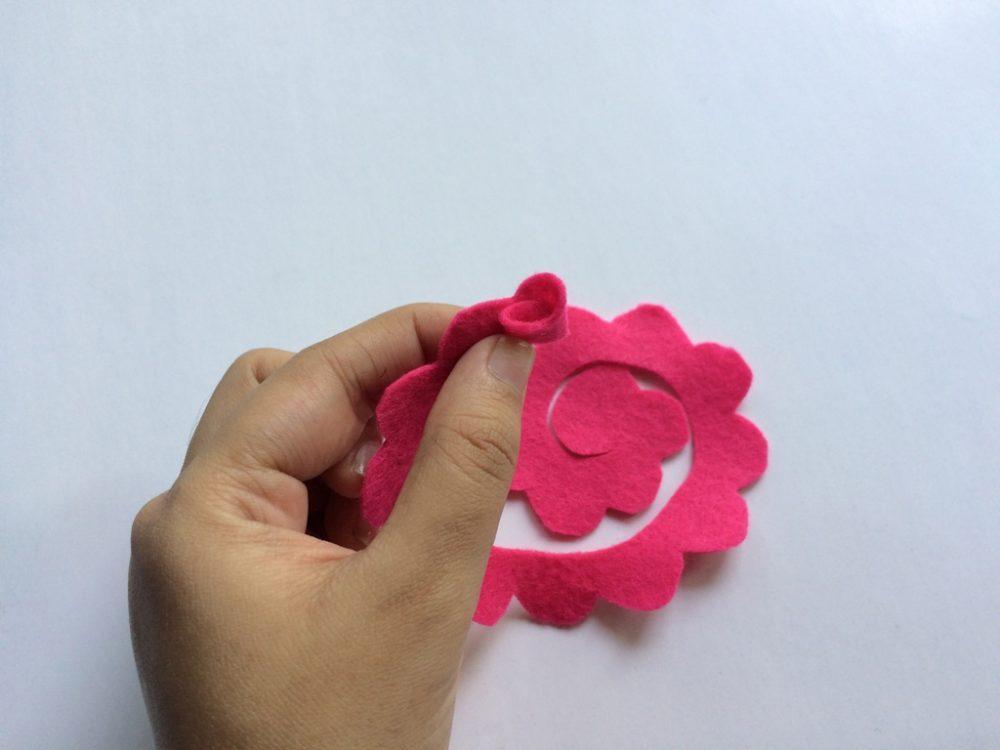 Felt Flower step 5