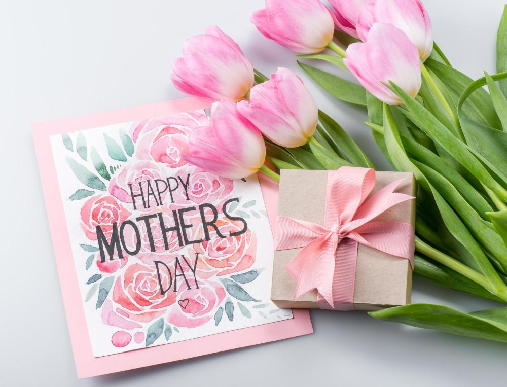 10 Things To Gift Mom On Mother's Day