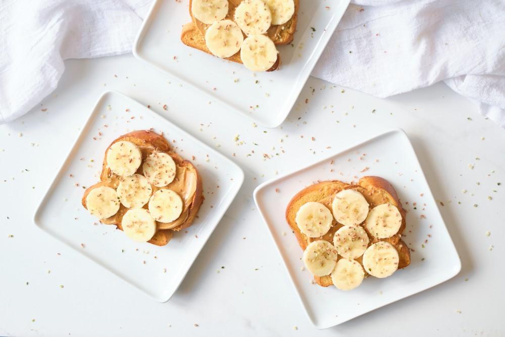 Peanut Butter Toast with Bananas, Chocolate and Hemp Hearts