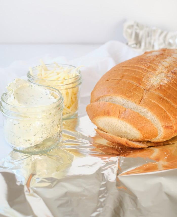 Cheesy Garlic Bread Loaf ingredients